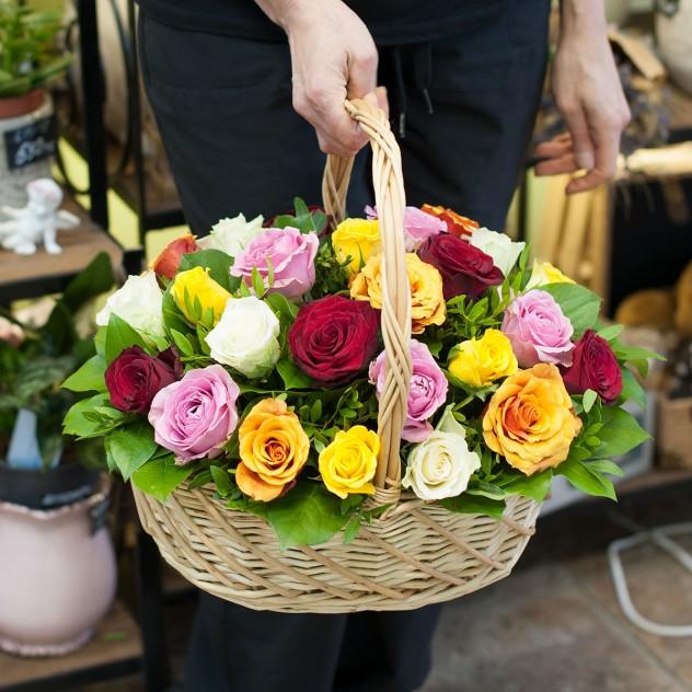 Корзина из роз (25 роз)