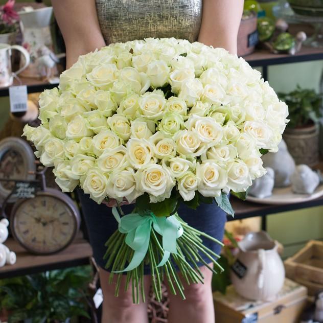 Букет из белых роз (101 роза)