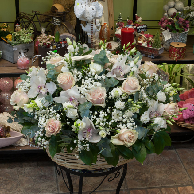 """Корзина из роз и орхидей """"Britney"""""""