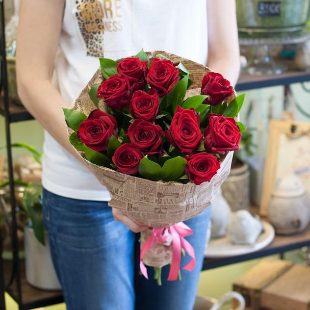 Букет из 11 роз Ред Наоми